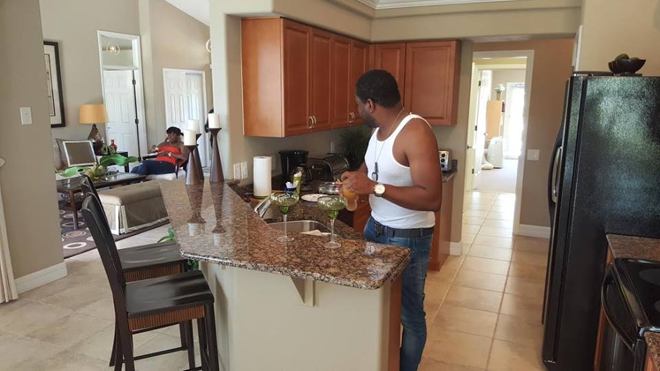 My customers feelng at home at Deltona's model house in SAR.ASOTA